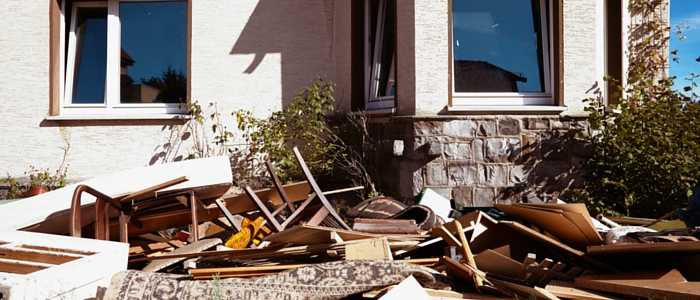 10 Top Reasons To Use a Rubbish Removal Service
